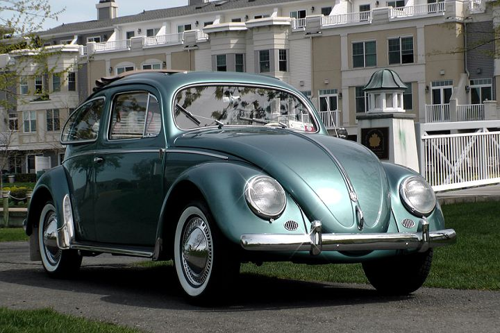 Classic VW BuGs Beetle tip, go Custom or Stay Vintage ...
